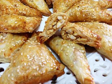 בורקס פילאס במילוי קוביות חזה עוף