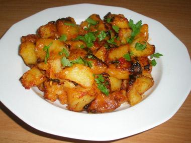 קוביות תפוחי אדמה בצ`ילי מתוק