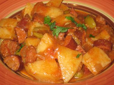 תבשיל קבנוס וירקות ברוטב אדום