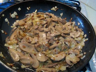 """פשטידת תפו""""א ופטריות"""
