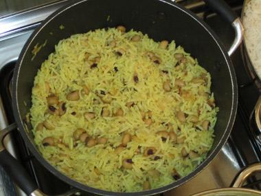 אורז צהוב עם מאש