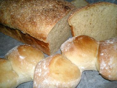 לחם ולחמניות מחיטה עשירה בגלוטן וחלבון