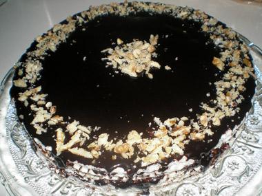 עוגת ופל עם קרם שוקולד וחלוה