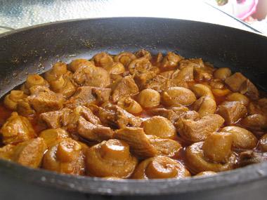 תבשיל בשר הודו עם פטריות
