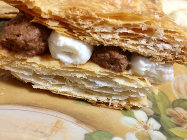 קרם שניט אישי במילוי מוס שוקולד ווניל