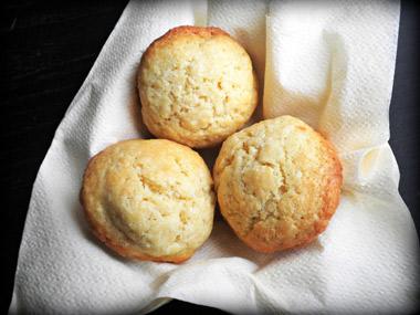 עוגיות קוקוס אפויות בתנור