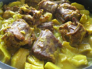 תבשיל גרונות הודו עם תחתיות ארטישוק
