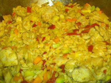 תבשיל פתיתים עם ירקות וחזה עוף