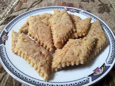 עוגיות מלוחות ללא גלוטן עם עגבניות מיובשות