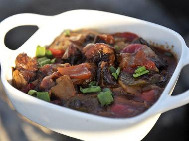 תבשיל בשר עם ירקות שורש