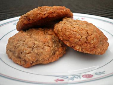 עוגיות גרנולה מקמח מלא וללא סוכר לבן