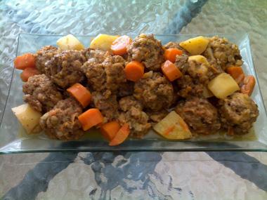 כדורי בשר מעולים עם גזר ותפוחי אדמה
