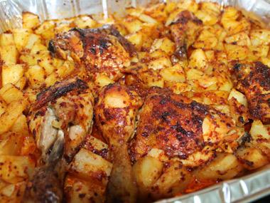 עוף ותפוחי אדמה בתנור