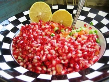 סלט רימונים עם ירקות