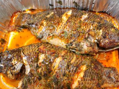 דג מושט בעשבי תיבול ולימון