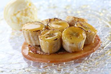 טארט מהיר של בננות וקרם שקדים