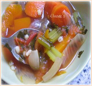 מרק ירקות סתווי בריא
