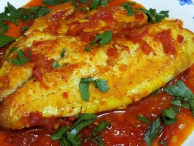 פילה אמנון ברוטב עגבניות טריות