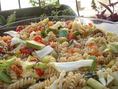 פסטה מסולסלת עם ירקות