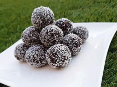 כדורי שוקולד וביסקוויטים פרווה