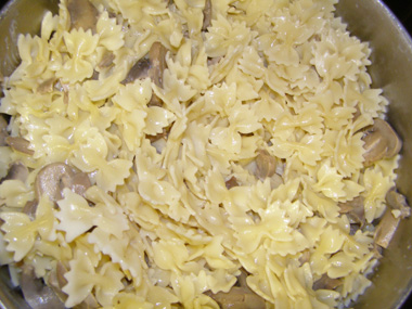 פסטה עם שמנת ופטריות