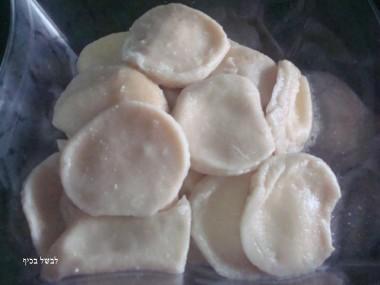 רביולי במילוי גבינות