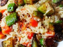 אורז בסמטי עם גזר, קישוא וזרעי כמון
