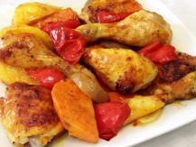 כרעי עוף וירקות בתנור