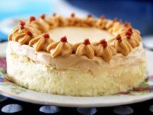 עוגת גבינה עם קרם ריבת חלב