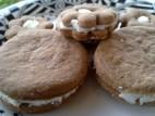 עוגיות שוקולד ממולאות בקרם וניל ללא גלוטן