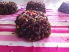 ממתק מאפינס קר בטעם שוקולד חרובים