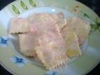 רביולי במילוי גבינות ברוטב רוזה