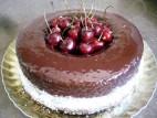 עוגת שוקולד ודובדבנים