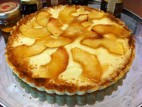 פאי דבש עם פטיסייר ותפוחים מקורמלים