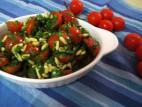 סלט עגבניות שרי וצנוברים