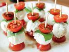 שיפודי מוצרלה ועגבניות שרי