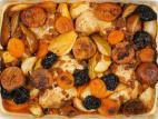 עוף עם תפוחים, אגסים ופירות יבשים