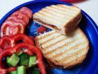 טוסט ללא גבינה לטבעוניים
