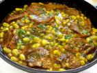 תבשיל כתף בקר עם פול ואפונה
