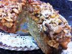 עוגת תפוחים וזיגוג אגוזים בטופי