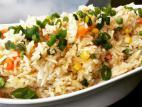אורז תאילנדי עם ירקות ובצל ירוק