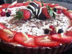 בצק פריך שוקולד עם קרם שמנת ותותים