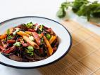 פסטה מוקפצת עם ירקות ואצות היז`יקי