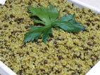 קינואה עם עדשים שחורות