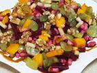 סלט סלק מבושל עם פירות העונה