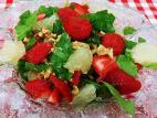 סלט תותים עם תרד