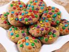 עוגיות שוקולד צ`יפס עם סוכריות