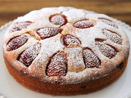 עוגת תותים קלה להכנה