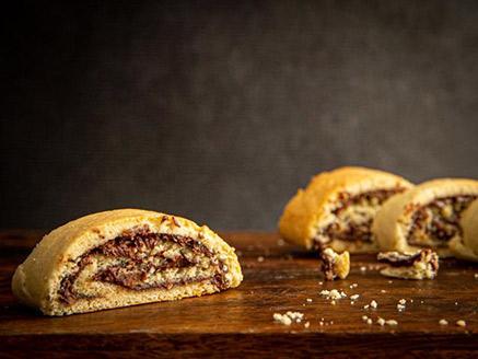 עוגיות שוקולד מגולגלות מבצק פריך