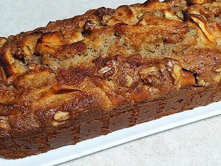 עוגת תפוחים ואגוזים קלה להכנה